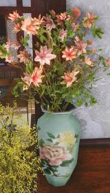 ツツジの花瓶.jpg