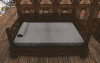 君主の大型ベッド.jpg